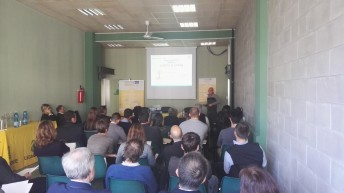 OPPORTUNITIES AND PROBLEMS OF PAPER-BIOPLASTICS PRODUCTS IN THE PACKAGING VALUE CHAIN IN ITALY